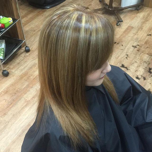 ヘアカラー#haircolor#straighthair#Highlight#meshhair#ヘアカラー#メッシュ#豊橋#豊橋美容院#美容師#ヘアスタイル#chicago_hair_studio