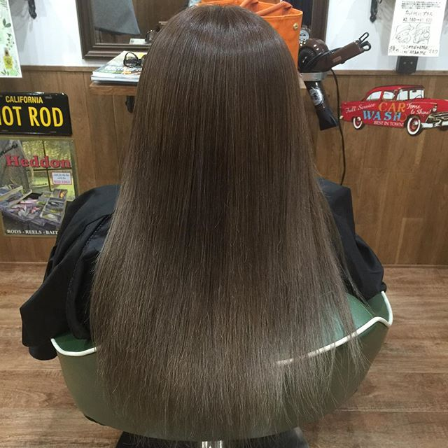 グレージュ !!#hairstyle#haircolor#chicago_hair_studio#haircut#hairset#豊橋#豊橋美容院#美容師#散髪#床屋#barber#シカゴスタイル#chicagohairstudio#ヘアカラー#グレージュ#アッシュベージュ#グラデーション