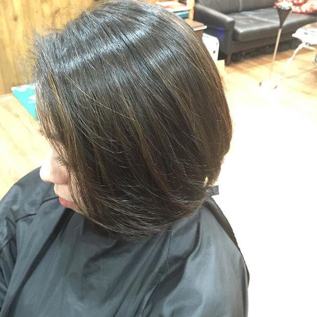 黒髪にハイライトをメチャ細くいっぱい入れて明るすぎないが髪の動きが分かるスタイルに!!#hairstyle#haircolor#chicago_hair_studio#haircut#hairset#豊橋#豊橋美容院#美容師#散髪#床屋#barber#シカゴスタイル