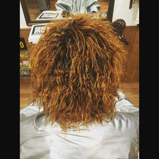 twist perm !!#perm #twistperm #permanent #hairstyle#haircolor#chicago_hair_studio#haircut#hairset#豊橋#豊橋美容院#美容師#散髪#床屋#barber#シカゴスタイル#chicagohairstudio