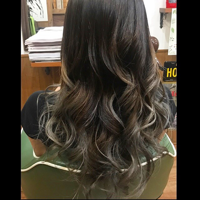 blackhair→greycolor gradationhair!!#hairstyle#haircolor#chicago_hair_studio#haircut#hairset#豊橋#豊橋美容院#美容師#散髪#床屋#barber#シカゴスタイル#chicagohairstudio#グラデーションカラー#gradationcolor
