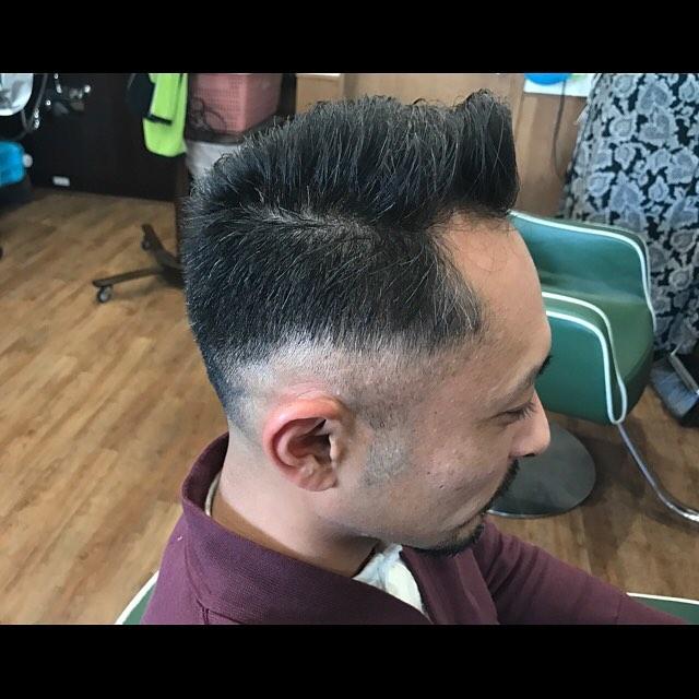 前髪は分けれるぐらい残してバックとトップ短めの緩い7:3カット。#hairstyle#haircolor#chicago_hair_studio#haircut#hairset#豊橋#豊橋美容院#美容師#散髪#床屋#barber#シカゴスタイル#chicagohairstudio#短髪#七三