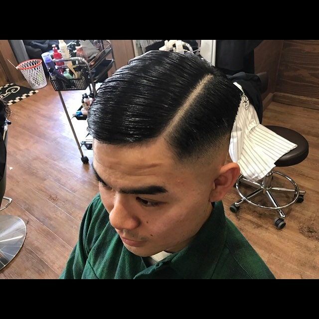 classic style !!! #pomadehair#classichair#pomadestyle#pomade#getithombre#barberstylemenshair#hairstyle#haircolor#chicago_hair_studio#haircut#hairset#豊橋#豊橋美容院#美容師#散髪#床屋#barber#シカゴスタイル#chicagohairstudio