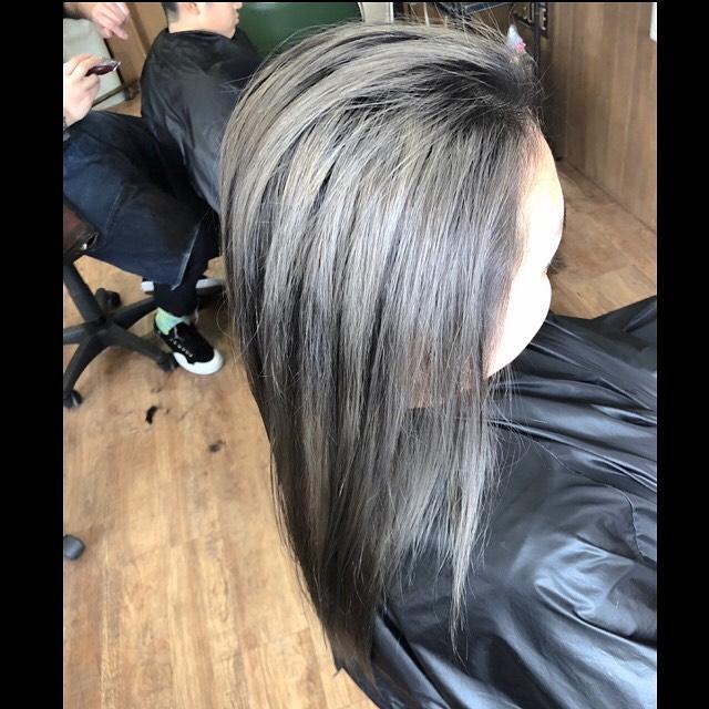 .gray hair color..#豊橋美容室#豊橋#岩田#beautysalon#hairsalon#hairdresser#shorthair#middiumhair#haircut#color#designcolor#baleyage #glayhair #greyhair #haircolor#ヘアセット#カット#カラー#グラデーションカラー#ハイライトカラー#ナチュラルヘア#ハイトーンカラー#ファッションカラー#ブリーチカラー#バレイヤージュカラー
