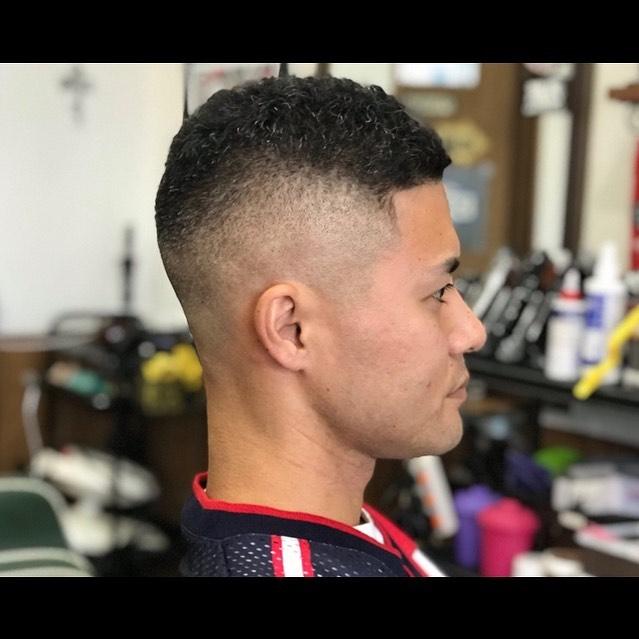 髪型の写真がまた大量に溜まって来ている。更新せねばと思いながら寝てしまうw#hairsalon#beautician#愛知#hairstyle#haircut#hairset#豊橋#豊橋美容院#美容師#床屋#barber#barberstyle#barbershop#wahl#wahlpro#menshair#メンズヘア#ヘアカット#短髪#フェード#フェードカット#getithombre#barberlife#ヘアスタイル#ヘアセット#fade#barbercontestjp
